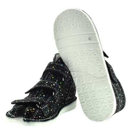 Dziecięce buty profilaktyczne Danielki T125L/135L Kropki